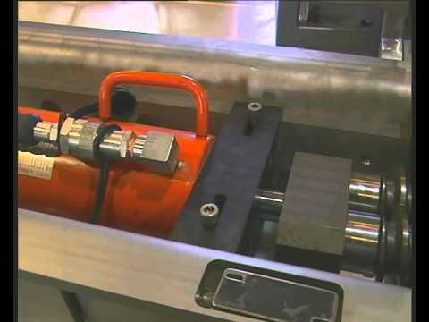video-extruder-screw-change-thumb.jpg